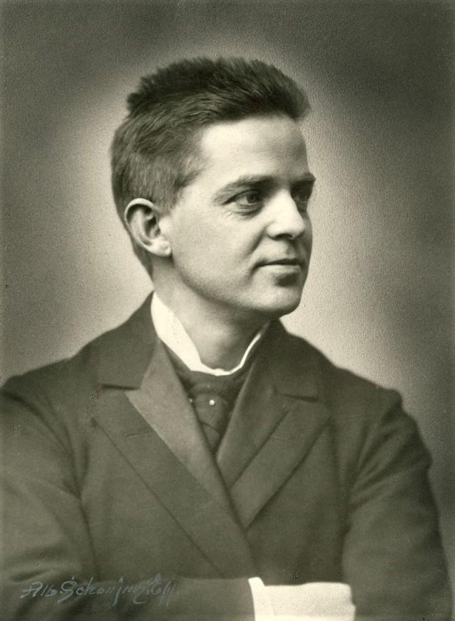 Carl Nielsen in 1901.jpg
